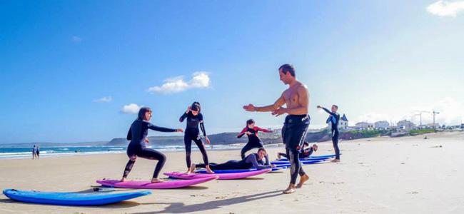 Surfing in peniche lagide