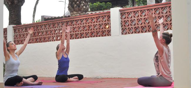 surf yoga u kuci