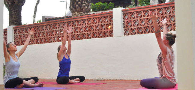 Yoga u surf kući